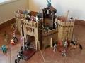 hrad celý z boku