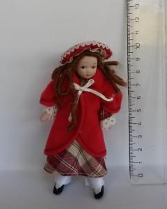 2015178 panenka v červeném kabátě