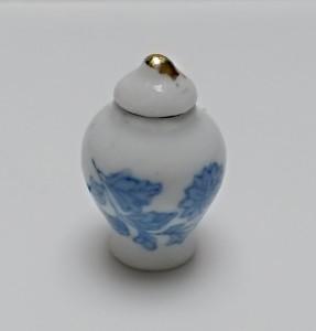 2015338 nižší porc urna