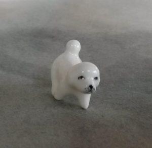 2016073 porcelánové štěně