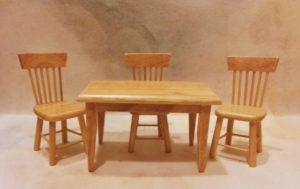 2016185 stůl a 3 židle