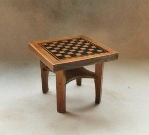 2017041 šachový stolek