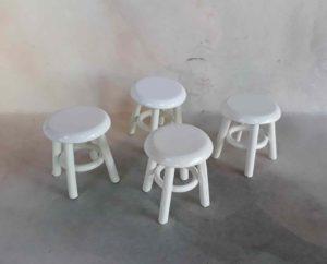 2017198 bílé stoličky
