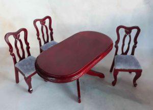 2017236 oválný stůl a 3 židle