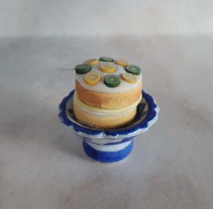 2017275 citronový dort na podstavci