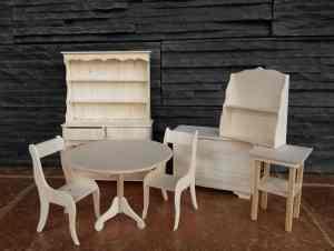 nábytek s balsy surový