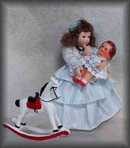 holčička s hračkami